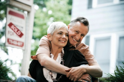senior_couple_sold_400